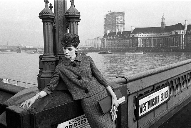 Vogue - Judy Dent - Westminster Bridge - 1961