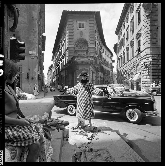 VIA DEGLI STROZZI, FLORENCE - VOGUE - 1962