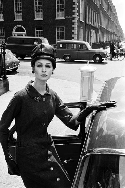 Vogue - Marie Lise Gres - Dublin - 1962