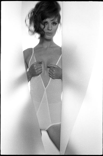 PAULENE STONE - VOGUE - 1965